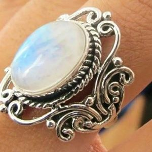 Jewelry - 💗Moonstone Soothing Ring